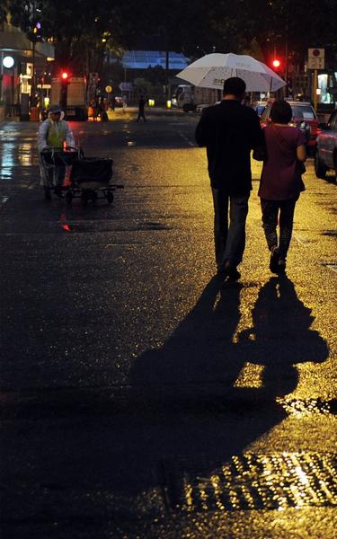 Men will walk slower for a romantic partner, a study shows.