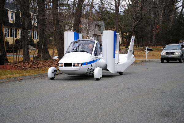 Terrafugia's flying car