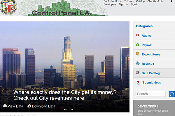 The site enables visitors to download, sort and analyze data on city employee salaries and more than 100,000 payments to contractors.
