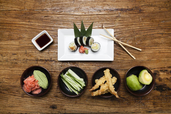 Learn to roll your own at Sunda's maki-making class.