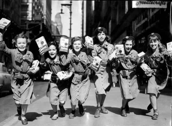 The Girl Scouts began their cookie drive on October 13, 1952 in the loop on Wabash Avenue, near Monroe. Tribune file photo