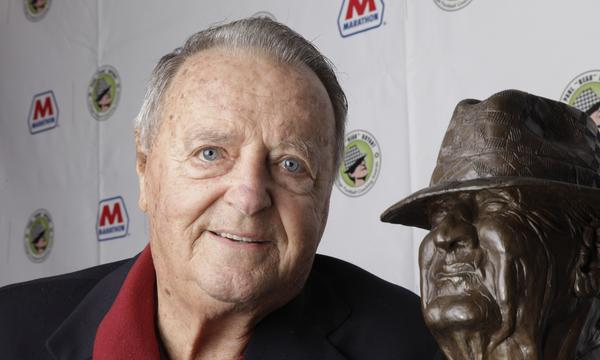 Former Florida State Coach Bobby Bowden will be honored before Saturday's game between the Seminoles and North Carolina State.