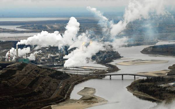 An aerial view of Canada's Suncor oil sands extraction facility near the town of Fort McMurray in Alberta. Air samples taken in the region detected pollutants, including carcinogens, researchers say.