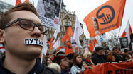Thousands march in Moscow, demand release of political prisoners