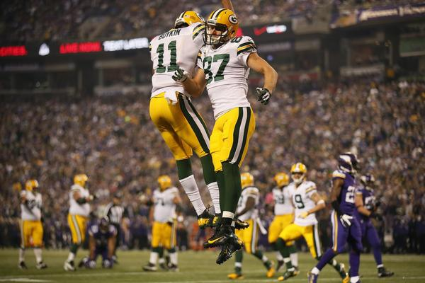 Packers wide receiver Jordy Nelson celebrates catching an 11-yard touchdown pass in the first quarter against the Vikings.