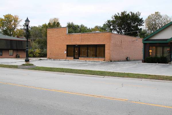 The owner of the former Tinley Glass building on the 16900 block of South Oak Park Avenue wants to upgrade its appearance as part of adding two apartments and a warehouse.
