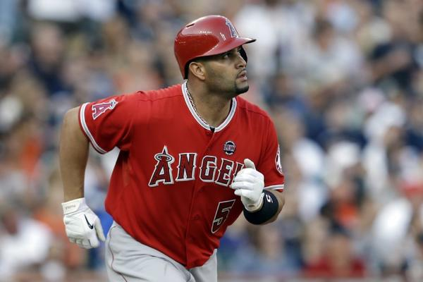 Albert Pujols has received some high praise from former manager Tony La Russa.