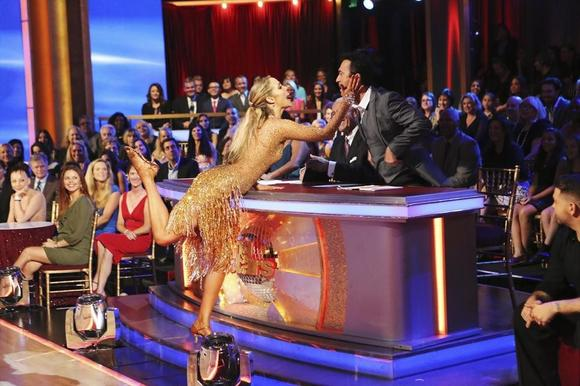 ELIZABETH BERKLEY LAUREN, BRUNO TONIOLI