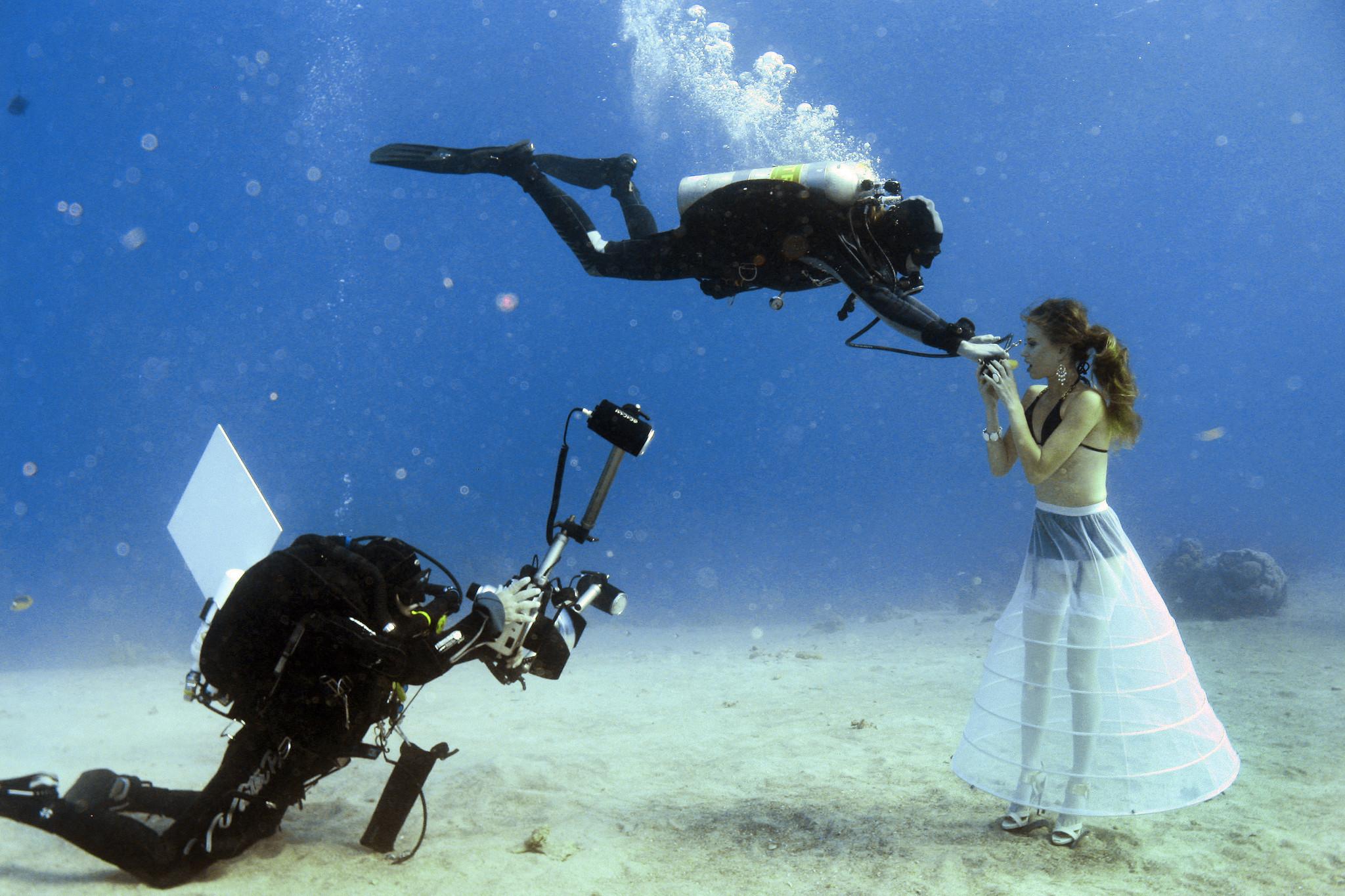 Underwater Fashion Shoot Underwater Fashion Shoot