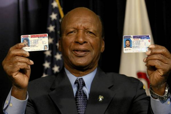 Secretary of State Jesse White announced Tuesday that Illinois will begin issuing driver's licenses to immigrants living here illegally starting in December.