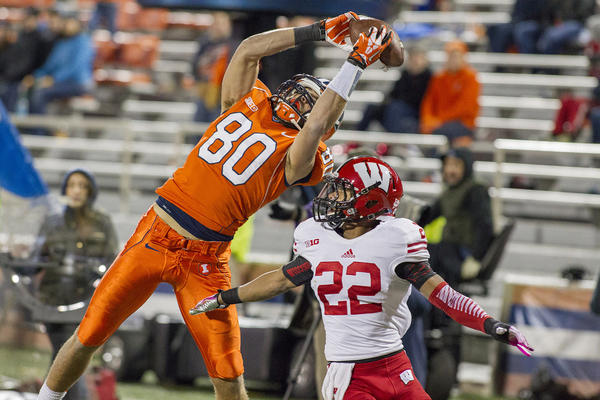 Illinois wide receiver Spencer Harris has 10 catches in his last two games.