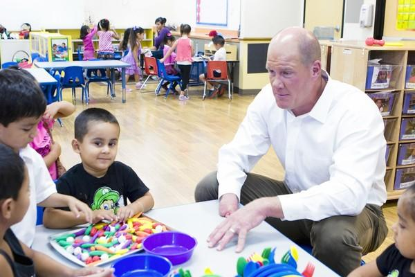 Former Angels pitcher Jim Abbott visits preschool children at KidWorks Santa Ana.