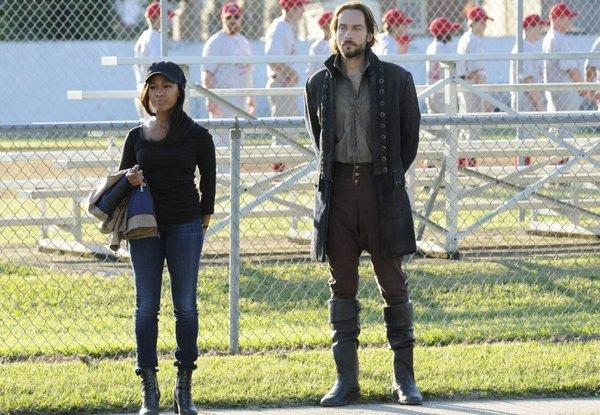 Sleepy Hollow's Lt. Abbie Mills (Nichole Beharie) and resurrected Colonial soldier Ichabod Crane (Tom Mison)