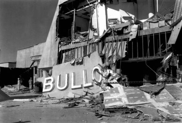 "A Bullock's department store sits in ruins after the 1994 Northridge earthquake. Two Los Angeles City Council members are calling for their colleagues to back a statewide ballot measure that provides funding to cities for ""earthquake safety improvements."""