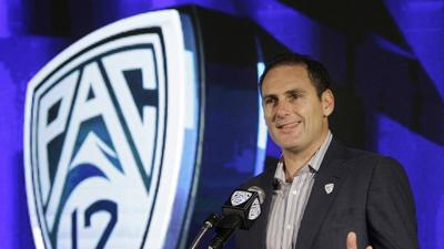 Larry Scott is set to continue his role as Pac-12 Commissioner through the 2017-18 academic year.
