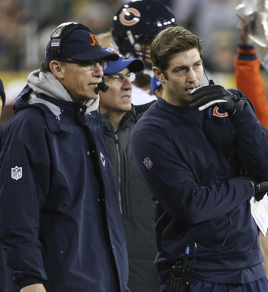 Chicago Bears quarterback Jay Cutler with head coach Marc Trestman during the second quarter of Monday's game against the Packers.