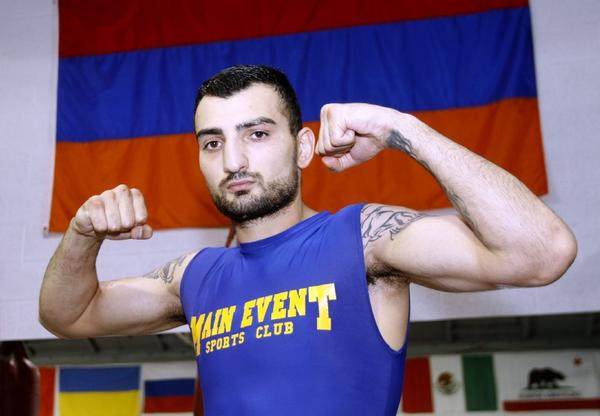 Boxer Vanes Martirosyan is preparing for his championship bout on Friday by working out at Main Event Boxing Club in Glendale on Saturday. (Raul Roa/Staff Photographer)