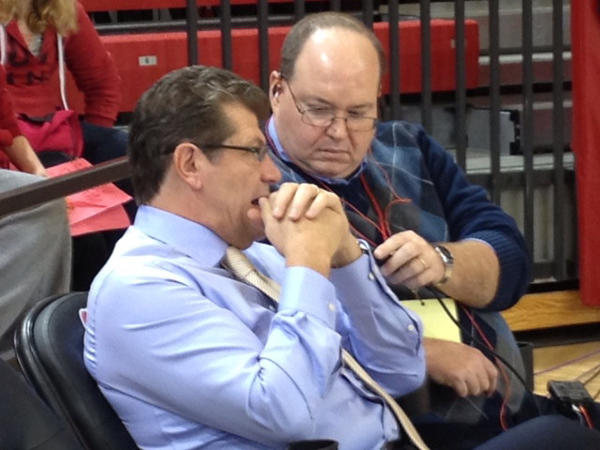 Geno Auriemma with WTIC >radio announcer Bob Joyce.