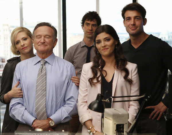 "Robin Williams and Sarah Michelle Gellar star in ""The Crazy Ones."" Photo: cast of the show Sarah Michelle Gellar, Robin Williams, Hamish Linklater, Amanda Setton, and James Wolk are setting advertising executives."