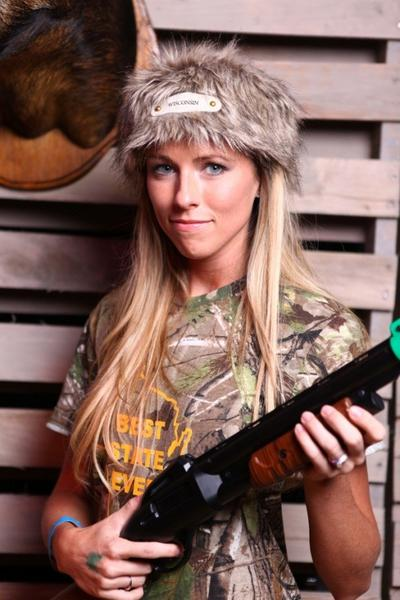 Sara Erlandson, two-time Ladies Tournament Champion, finished fourth overall in last year's Big Buck Hunter World Championship. Erlandson and husband Jerod return to Chicago this weekend to compete for the top prize.