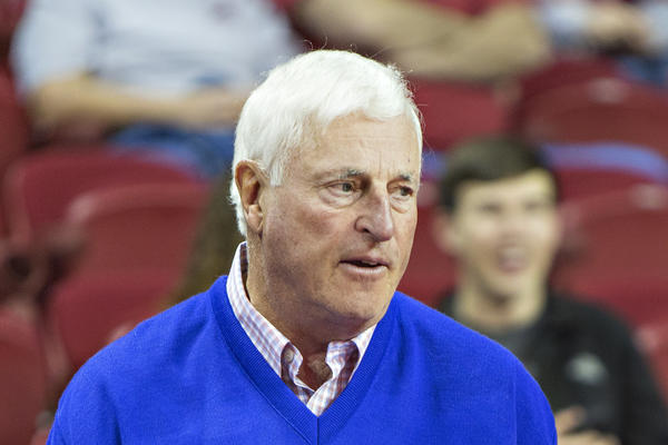 Bob Knight talks with former Arkanas athletic director Frank Broyles.
