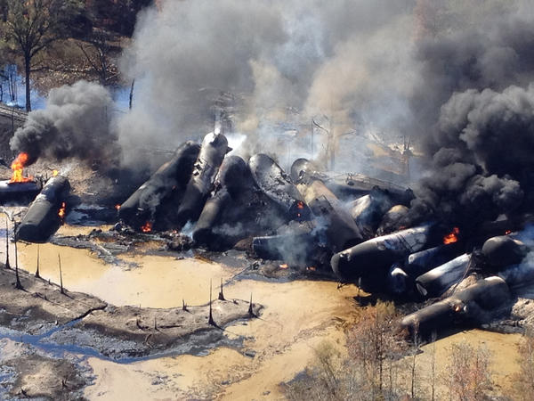 A tanker train that derailed and caught fire in western Alabama outside Aliceville was carrying 2.7 million gallons of crude oil.
