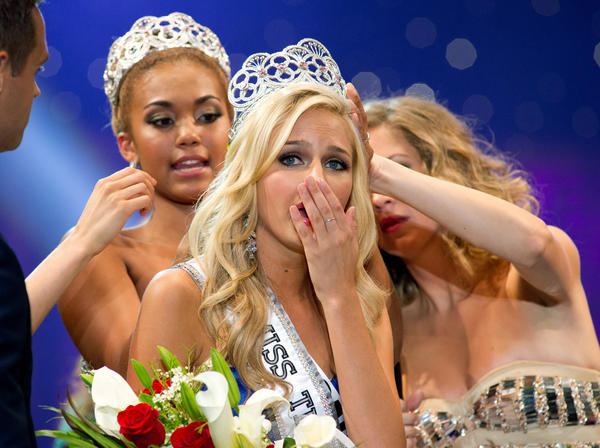 "Cassidy Wolf is crowned Miss Teen USA. The FBI has identified a 19-year-old Temecula man who authorities believe to be involved in a ""sextortion"" case involving Wolf."