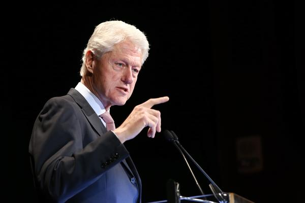 Bill Clinton says Americans should be able to keep their health plans