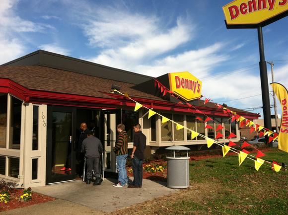 Denny's gives away 100 free breakfasts on Nov. 14