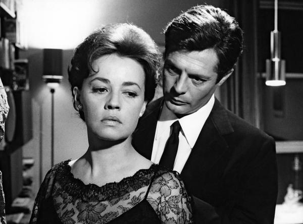 "Jeanne Moreau as Lidia and Marcello Mastroianni as Giovanni in a scene from the film ""La Notte."""