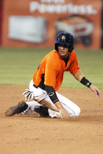 """<b>2013 team in Orioles organization:</b> Double-A Bowie, Single-A Frederick, Rookie-level GCL Orioles <br><br> <b>2013 team in offseason:</b> Surprise Saguaros (Arizona Fall League) <br><br> <b>Winter league statistics:</b> .239 average (16-for-67), 3 2Bs, 1 3B, 9 RBIs, 8 runs in 19 games <br><br> The Arizona Fall League season is complete. For more statistics, <a target=new href=""""http://mlb.mlb.com/milb/stats/stats.jsp?sid=l119&t=p_pbp&pid=645848""""><b>click here</b></a>."""