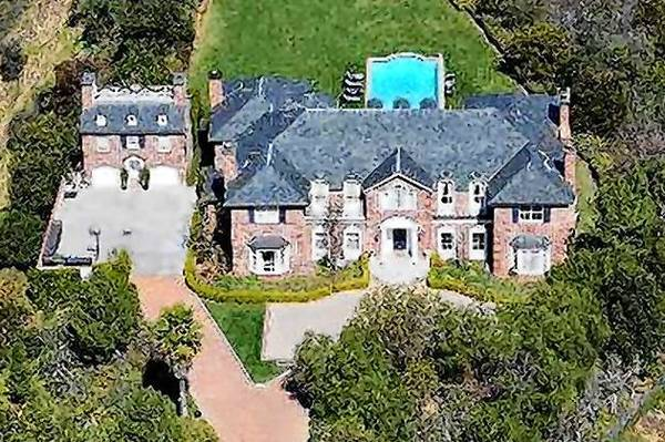 "Heidi Klum has bought the Sherman Oaks estate of Ed Weinberger, one of the creators of ""The Cosby Show,"" and his wife, television actress Carlene Watkins, for $9.875 million."