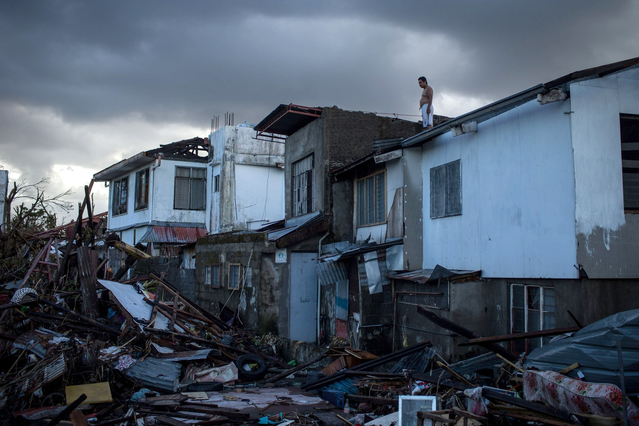 oreskes climate change Naomi oreskes and erik m conway the year is 2393, and the world is almost unrecognizable clear warnings of climate catastrophe went ignored for decades, leading to.