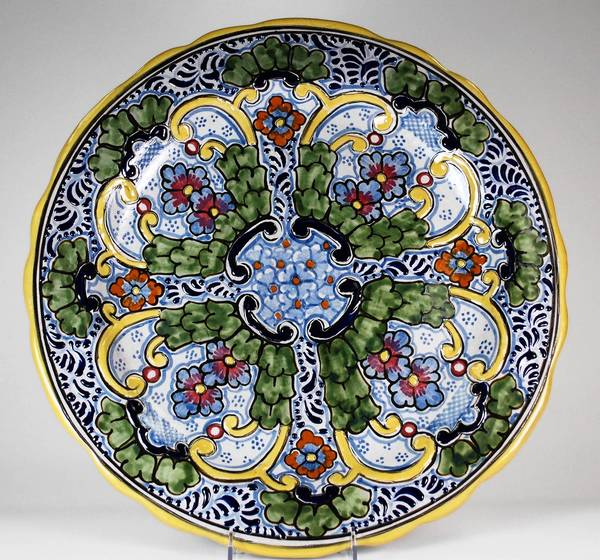 Tavalera pottery to be part of holiday market at National Museum of Mexican Art.