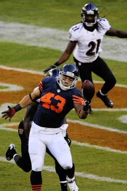 Chicago Bears fullback Tony Fiammetta (43) is unable to hold on to a pass in the second quarter against the Baltimore Ravens at Soldier Field.