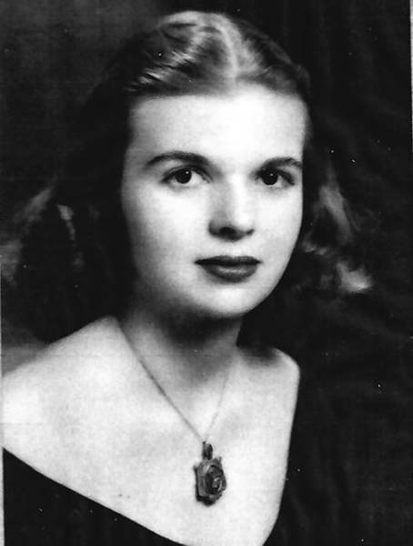 Nancy Hough Brennan, 86, grew up in Chicago. She is shown in a family photo from the 1940s.