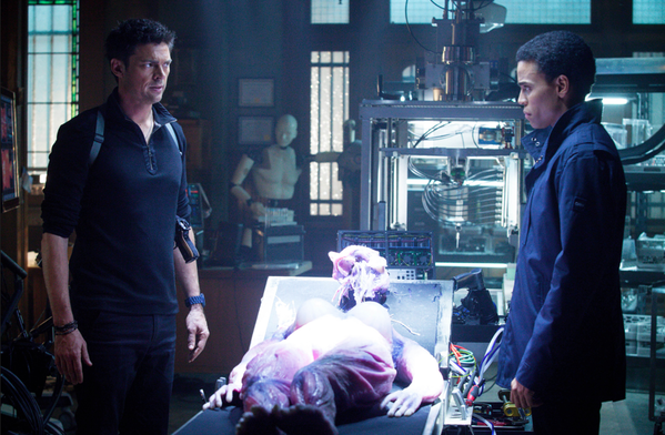 "Kennex (Karl Urban, left) and Dorian (Michael Ealy) investigate a case involving sexbots in Monday's ""Almost Human."""
