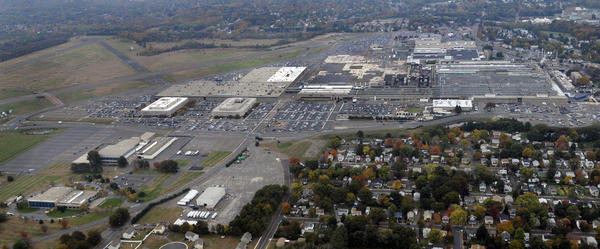 An aerial view looking south of the sprawling Pratt & Whitney Aircraft complex in East Hartford.
