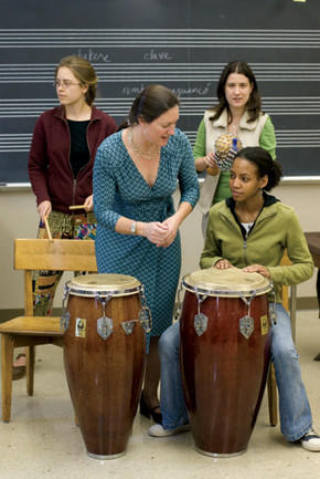"Pomona College professor Katherine Hagedorn works with students in her ""Music of the African Diaspora"" class."