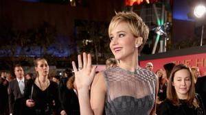 Jennifer Lawrence has them screaming at 'Catching Fire' U.S. premiere