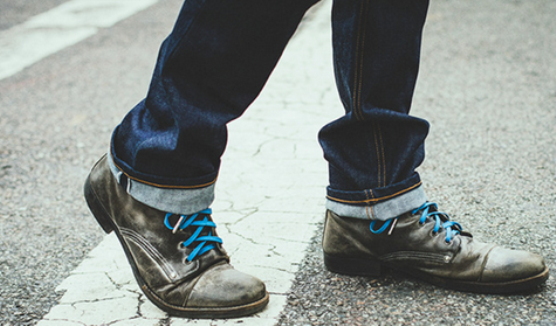 A new Kickstarter campaign,launched by the founder of Flint and Tinder, wants to make blue shoelaces a symbol of American manufacturing.