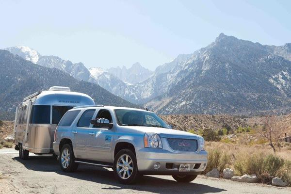 Airstream 2 Go specializes in renting vacation SUVs with Airstream trailers in Los Angeles and Las Vegas.