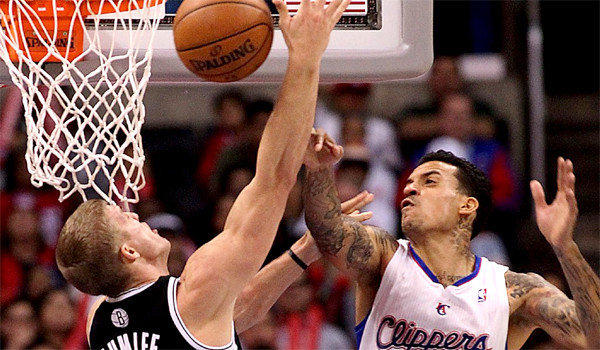 Clippers forward Matt Barnes did not make the trip with the team to Minnesota because of a bruised left eye, the team announced Wednesday.