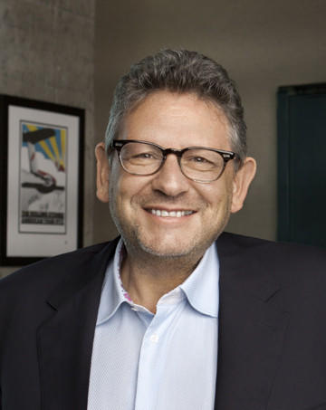 Universal Music Group Chairman and Chief Executive Lucian Grainge will receive the Recording Academy's prestigious industry icon award at a pre-Grammy gala Jan. 25.