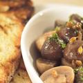 Mushrooms a la grecque with grilled bread