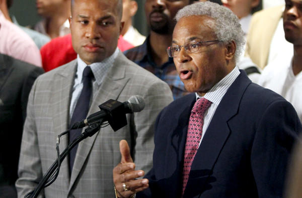 Billy Hunter, right, shown with Derek Fisher, addresses the media during NBA labor negotiations in 2011.