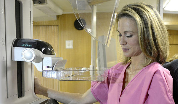 "ABC News' Amy Robach prepares to undergo her mammogram on ""Good Morning America."""