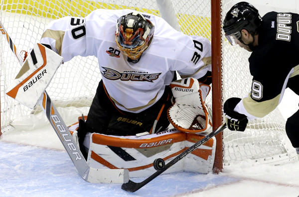 Ducks goaltender Viktor Fasth stops a shot by Penguins left wing Pascal Dupuis during a game last week.