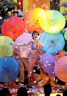 Singer Katy Perry performs onstage during the 2013 American Music Awards.