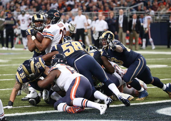 Bears running back Michael Bush heads for the end zone in the fourth quarter Sunday.